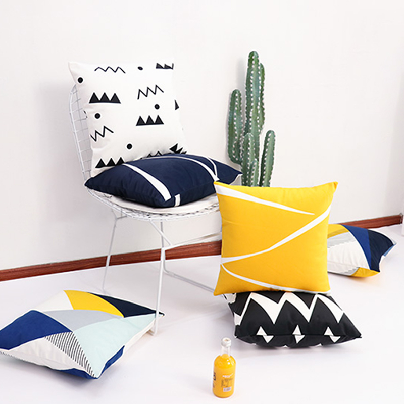 Monad New Design Wholesales 18 x 18 Home Decorative Geometric Printed Pillow Case Cushion Cover
